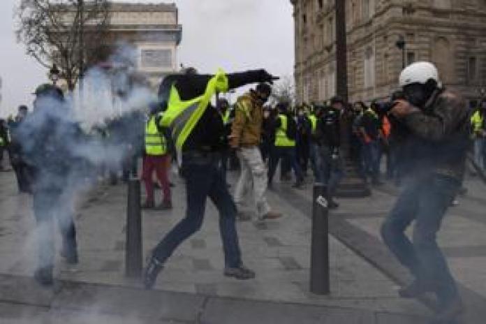 Neue Proteste am Arc de Triomphe: Hunderte von Inhaftierten