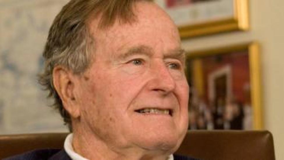 Sawirka George HW Bush sannadkii 2012-kii