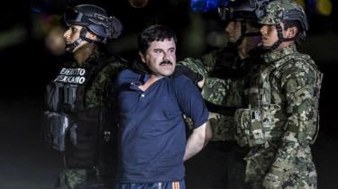Joaquin Guzman Loera, o El Chapo, é levado para prisão de segurança máxima no México em 2016