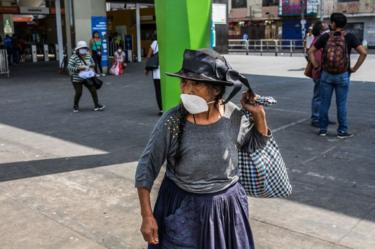 Mujer mayor en Lima