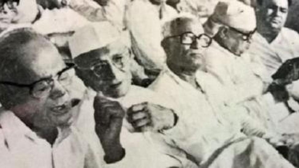 जयप्रकाश, मोरारजी देसाई, नानाजी देशमुख और राज नारायण (बाएं से दाएं)
