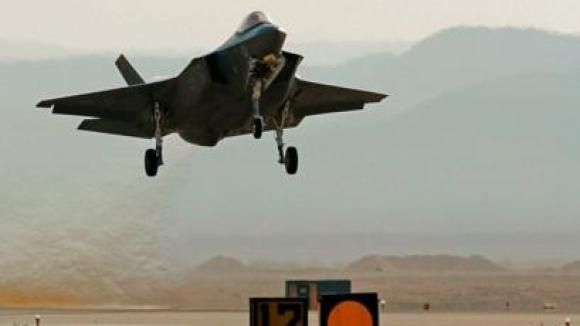An Israeli F-35 fighter jet takes part in an exercise at Ovda air base, north of the Israeli city of Eilat, (11 November 2019)