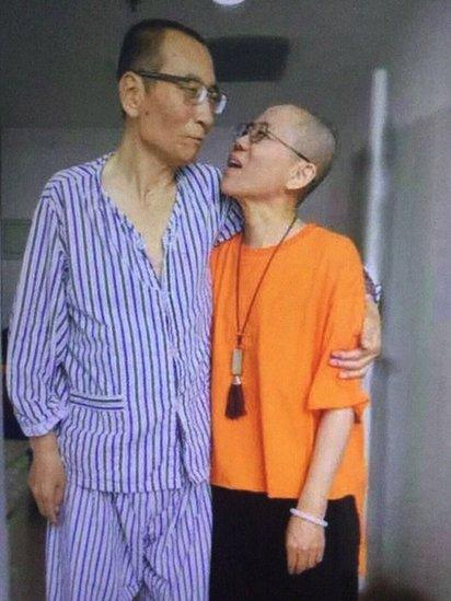 Liu Xiaobo and Liu Xia in hospital in Shenyang