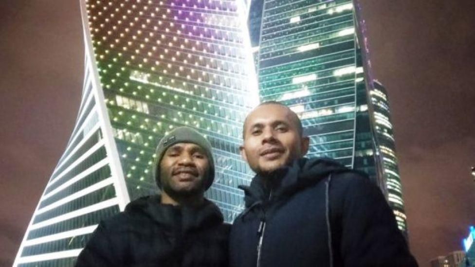 Ones dan Rex Rumabar, mahasiswa Papua yang mendapat beasiswa di Moscow.