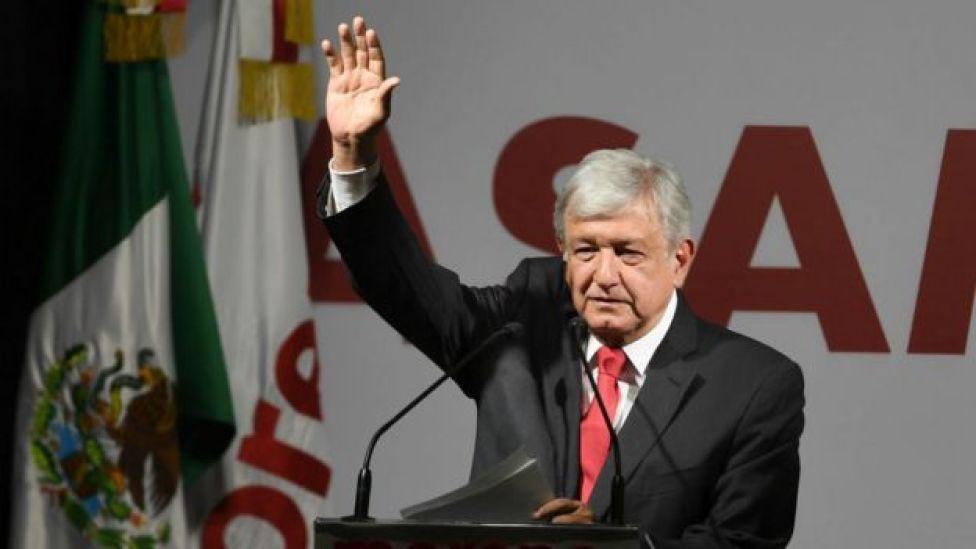 El izquierdista Andrés Manuel López Obrador encabeza las encuestas electorales.