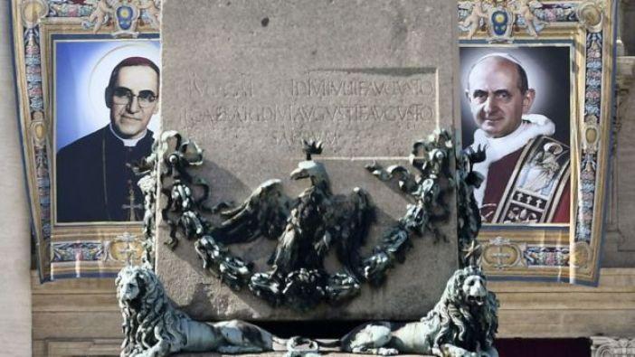 Fotos del padre Arnulfo Romero y el papa Pablo VI