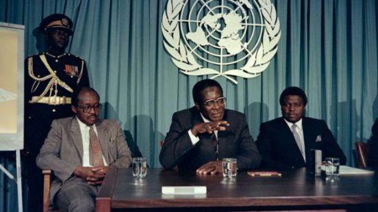 Mugabe oo warbaahinta la hadlayay, 1998,