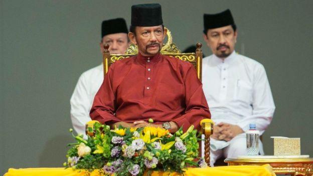 El sultán de Brunei.