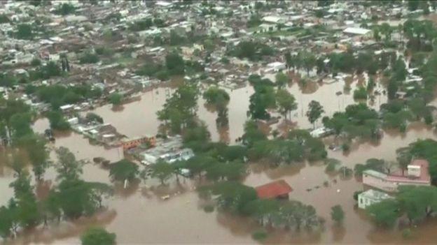Edificios inundados en Argentina