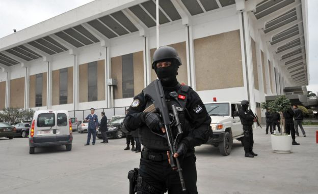 Members of the Tunisian special forces stand guard outside Tunis-Carthage International airport on March 21, 2015 in Tunis.