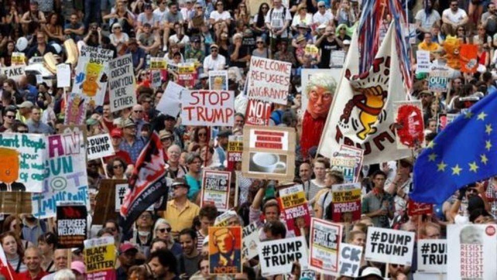 احتجاجات في بريطانيا
