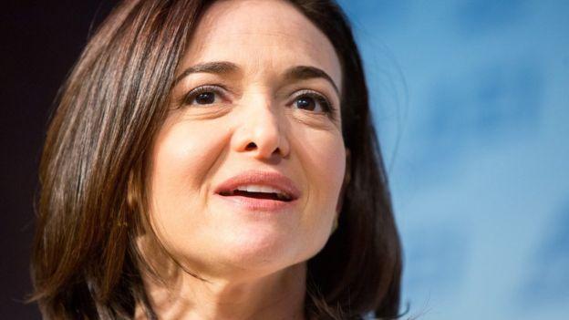 Misis Sheryl Sandberg ta kamfanin Facebook