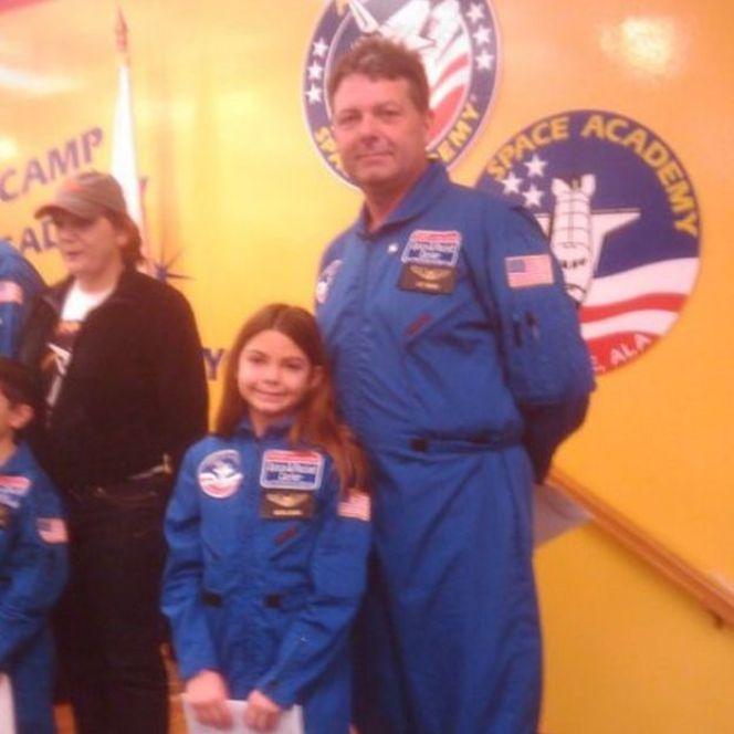 Alyssa và bố tại Học viện Không gian của NASA