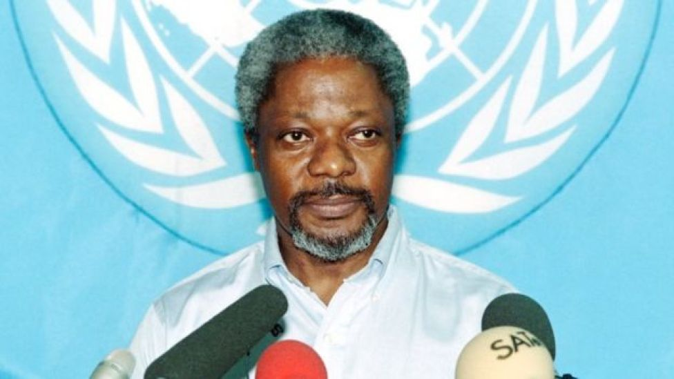 UN peacekeeping chief Kofi Annan gives a press conference , on October 13, 1993 in Mogadishu, Somalia