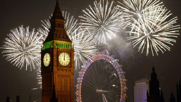 مراسم آتشبازی سال نو در لندن