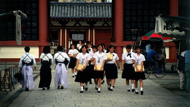 japonya kız öğrenciler