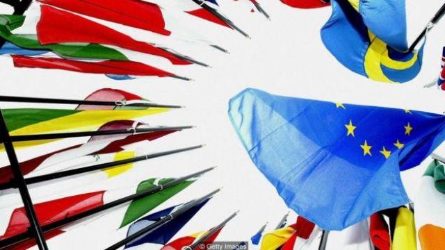 Bạn quan tâm tới quốc tịch một nước châu Âu? Có tới gần nửa các quốc gia thành viên EU nay đưa ra một số chương trình đầu tư để đổi lấy quy chế định cư dài hạn hoặc quốc tịch