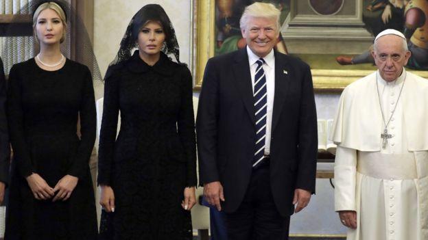 Ivanka, Melania và Donald Trump cùng Đức Giáo hoàng Francis