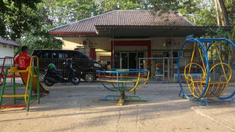 Rumah tampung untuk anak-anak penderita HIV/AIDS.