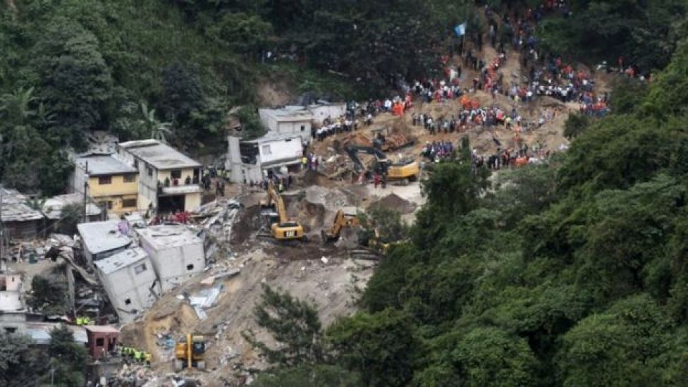 A general view of the mudslide in Santa Catarina Pinula, on the outskirts of Guatemala City, October 3, 2015.