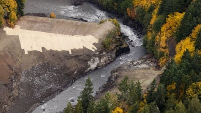 Elwah river dam