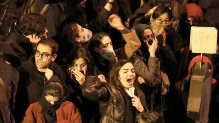 Students protests outside Amir Kabir University, Tehran, 11 January 2020