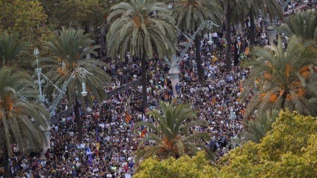 مسيرة مؤيدة للوحدة في برشلونة