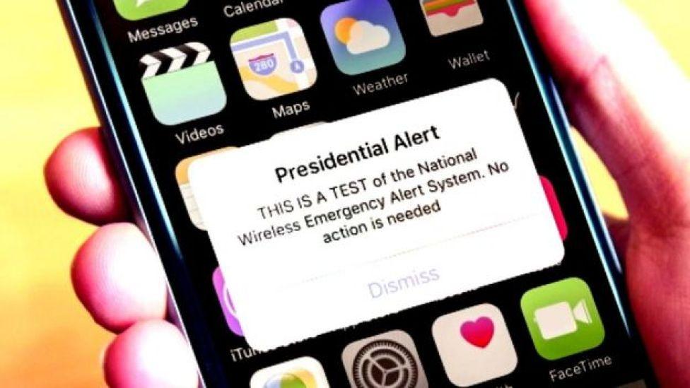"""""""Alerta Presidencial. ESTA ES UNA PRUEBA del sistema nacional de alerta de emergencias inalámbrico. No es necesario hacer nada"""", decía el mensaje."""