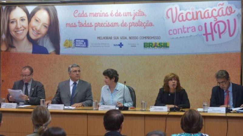 Lançamento da campanha de vacinação contra HPV, em janeiro de 2014