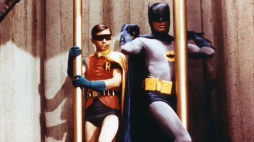 Adam West como Batman y Burt Ward como Robin.