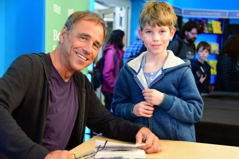 Anthony Horowitz and a young reader