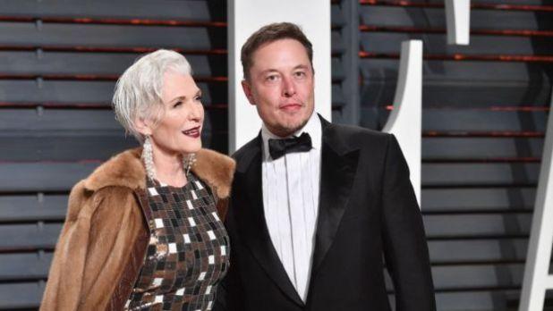 Maye Musk y su hijo Elon Musk.