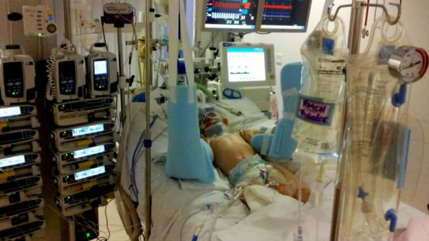 Zach, en el hospital después del incidente.