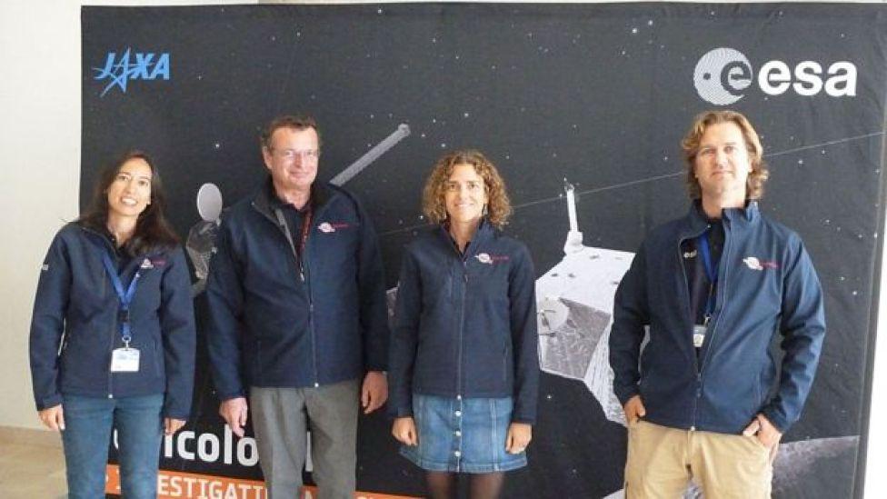 Parte del equipo de BepiColombo. De izq. a derecha, Santa Martínez, Mauro Casale, Sara de la Fuente y Raymond Hoofs.