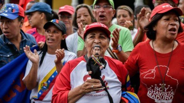 Apoiadores de Nicolás Maduro
