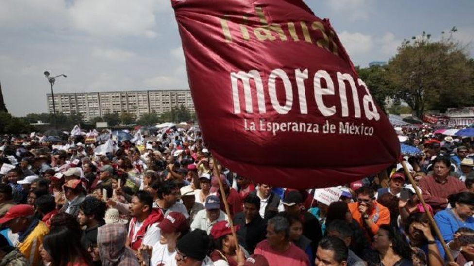Multitud en evento del partido Morena.