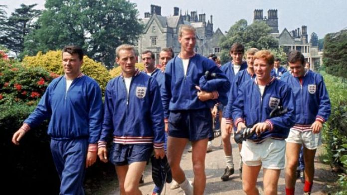Jack Charlton (centre) with members of the England squad in 1966