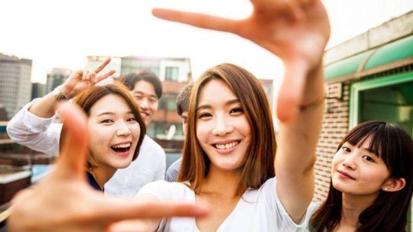 Mulheres sul-coreanas em festa em Seul
