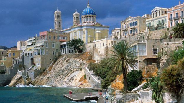 جزيرة سيروس اليونانية