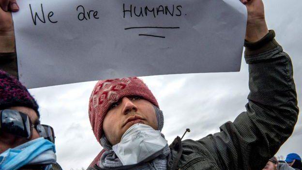 Hombre en la Jungla, en Calais