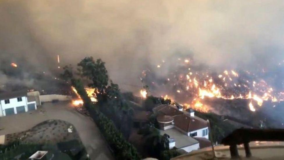 الحرائق انتشرت بسرعة بسبب الرياح