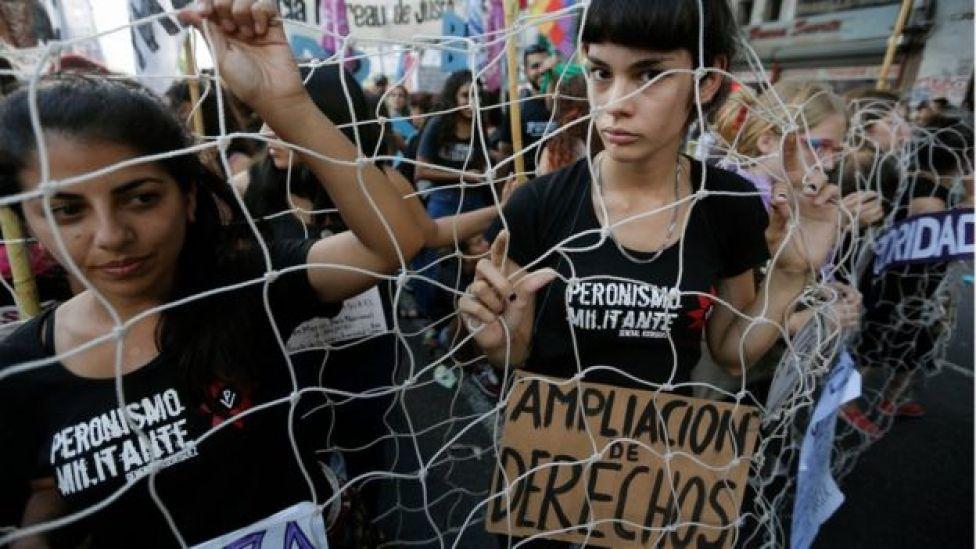En Buenos Aires se reunieron miles de mujeres en representación de diferentes gremios, agrupaciones y sindicatos.