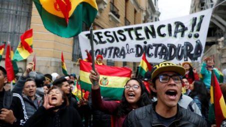 Manifestantes marcham em La Paz, no sábado