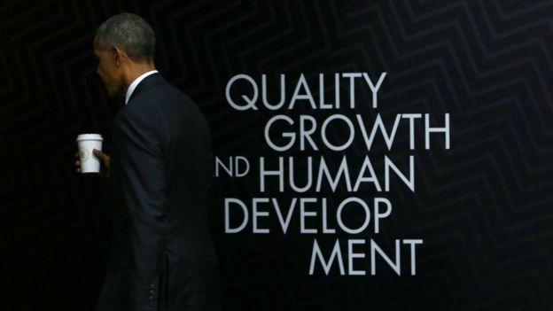 Barack Obama leaves his Apec press conference