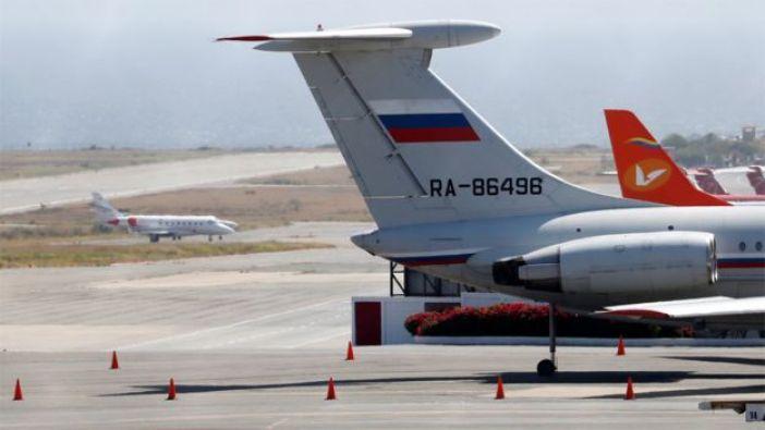 Un avión con bandera rusa en el aeropuerto internacional de Caracas en marzo.