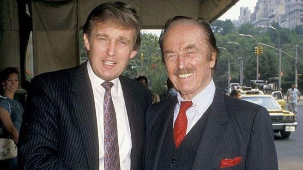 Donald e o pai, Fred Trump no Plaza Hotel em 1988.