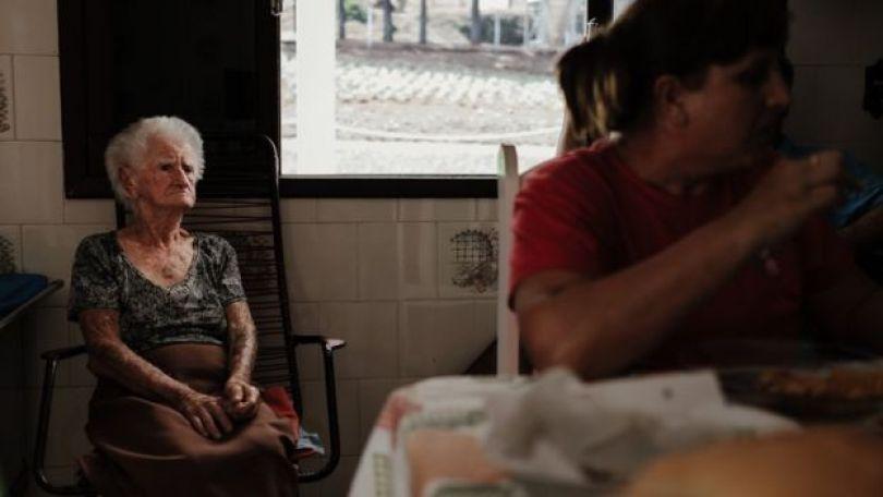 Armelinda Canton, em reunião em casa da família