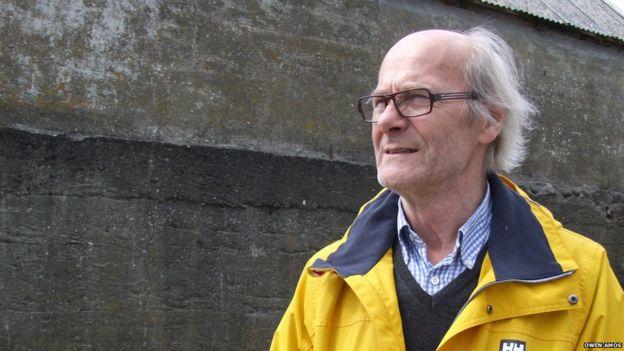 Hilmar Joensen remembering his cousin in Nolsoy