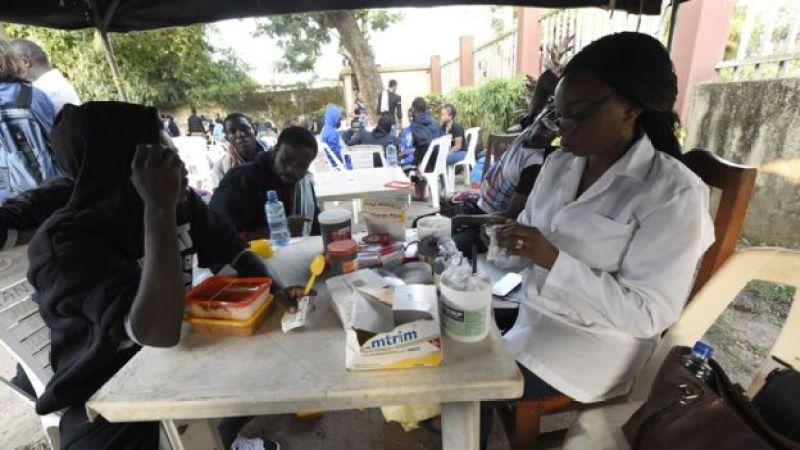 Aha ni i Benin City, muri Nijeriya, abimukira bariko babonana na muganga