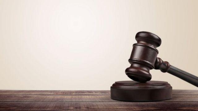Martelo que representa a atuação dos tribunais